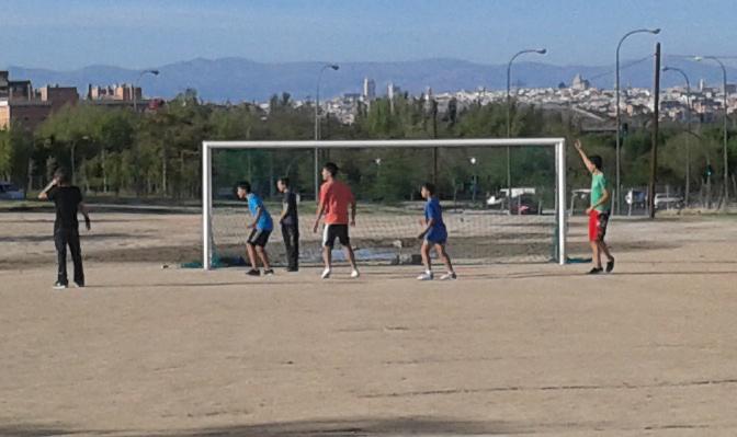 El Pleno de la Junta Municipal de Villaverde rechaza la proposición de AVIB para que el Ayuntamiento asumiera el mantenimiento del campo de fútbol vecinal
