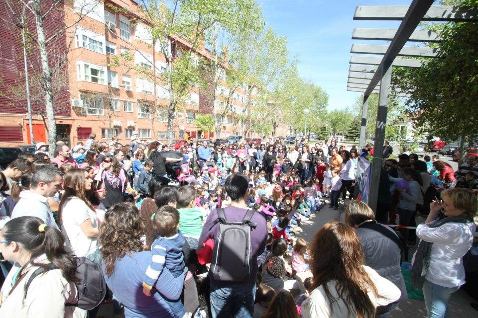 Celebración del día del libro en el barrio 2013