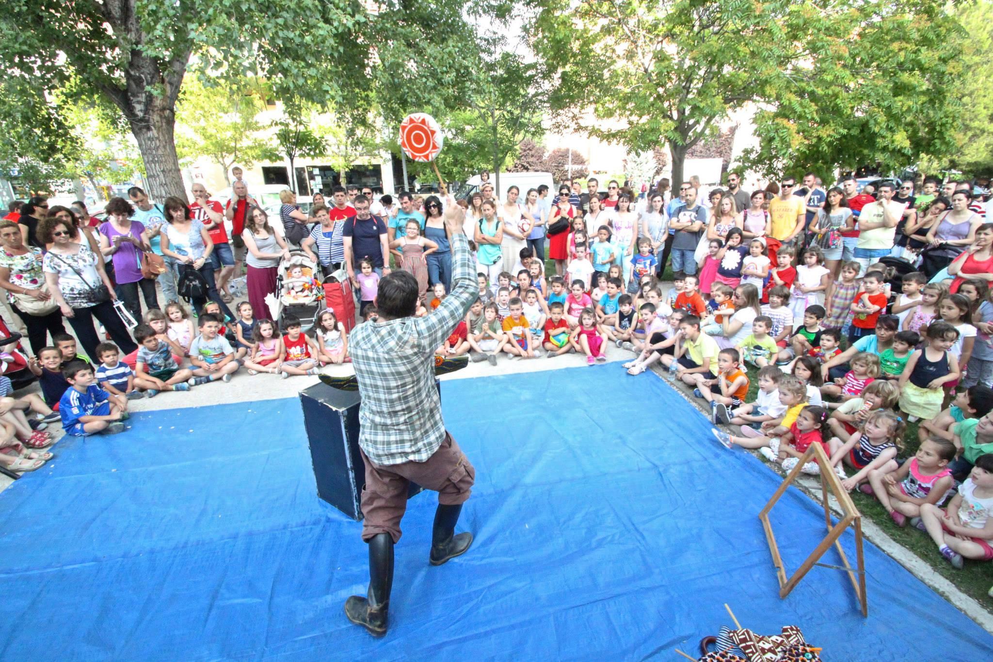 "IV Festival de teatro de calle ""TitiriVerde"""