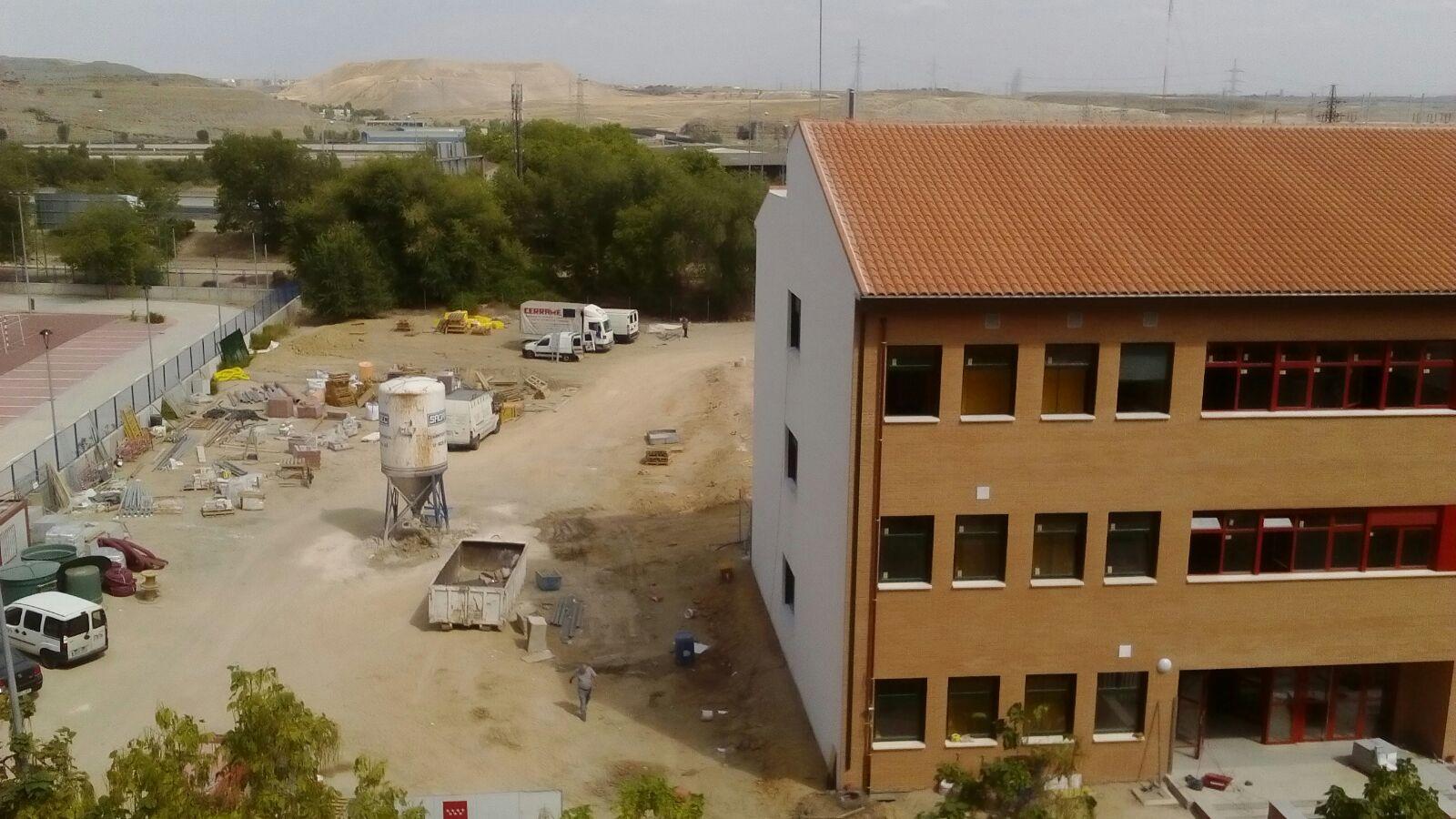 El nuevo instituto de Butarque arranca las clases con las obras inacabadas