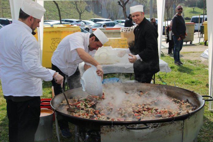Paella Popular a cargo de Redpiso